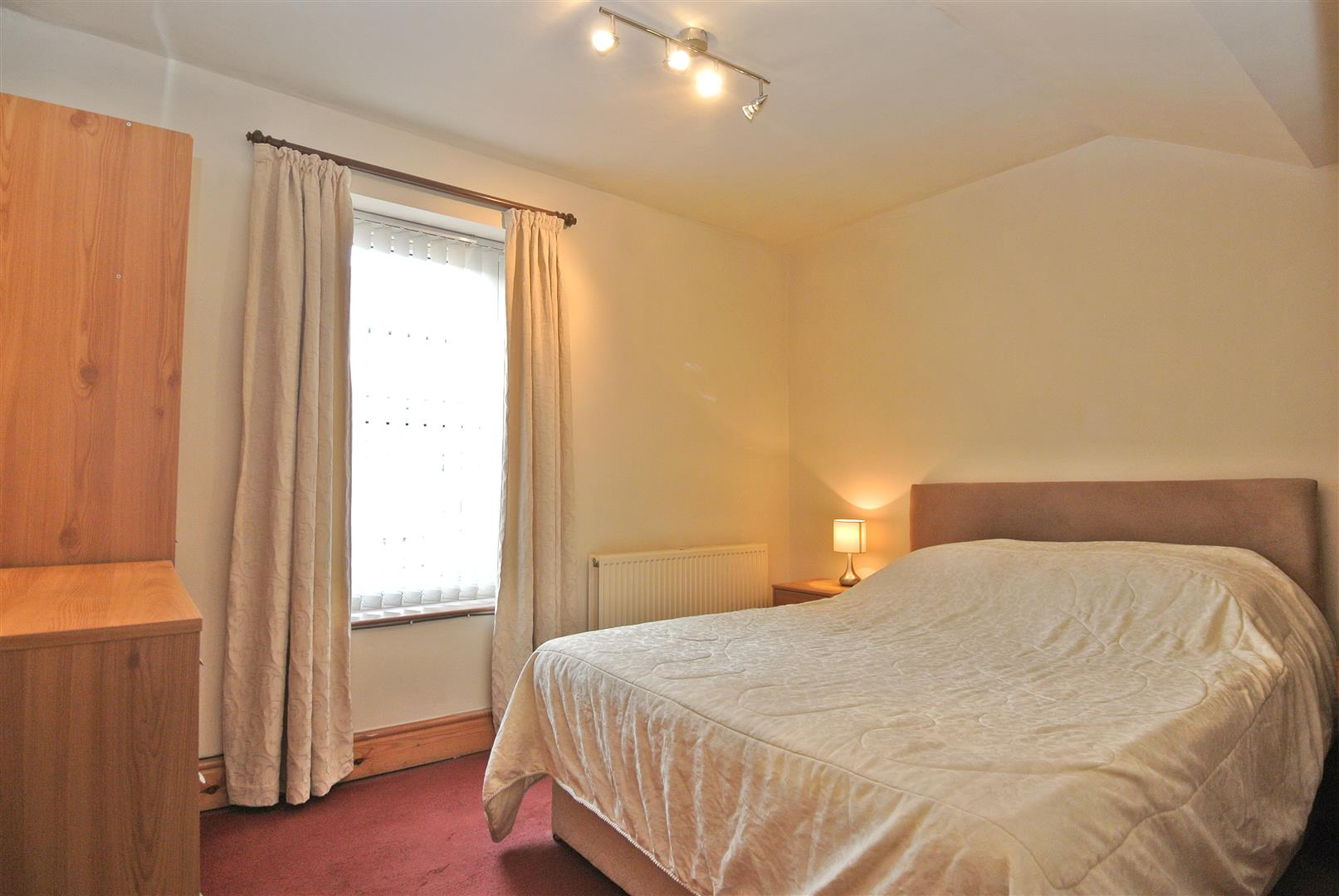 Master Bedroom With Storage Vine Street, Lancaster   A Home With A S..